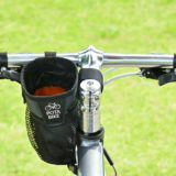 クロスバイクにステムサイドポーチを装着した写真