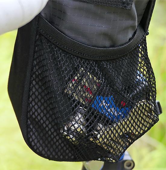 POTA BIKE ステムサイドポーチのメッシュポケットを写した写真