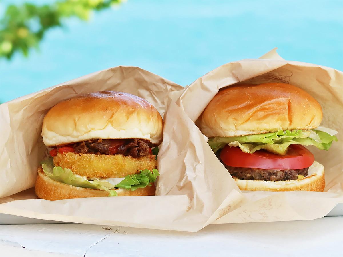 淡路島オニオンキッチンのハンバーガーの写真
