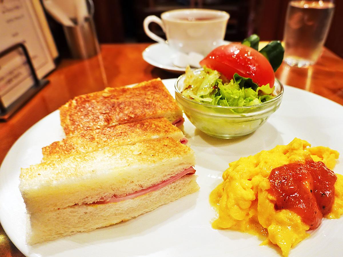 京都嵐山にある喫茶店「コーヒーショップヤマモト」のモーニングメニューの写真