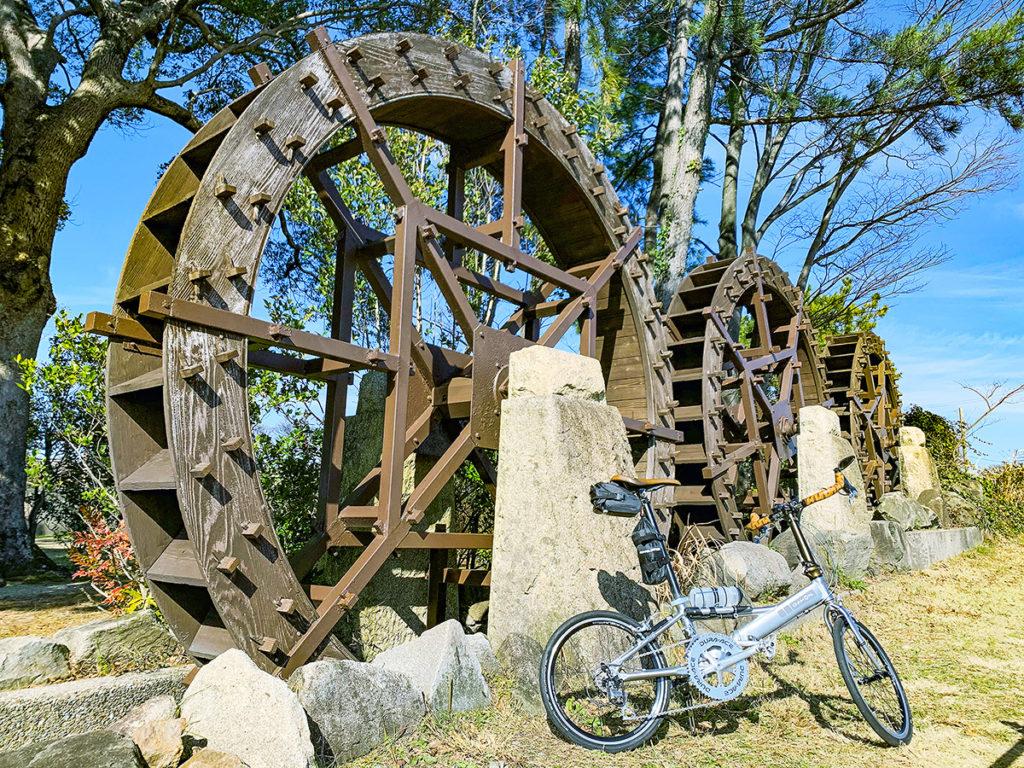 豊田安城サイクリングロードの途中で見られる「三連水車」の写真