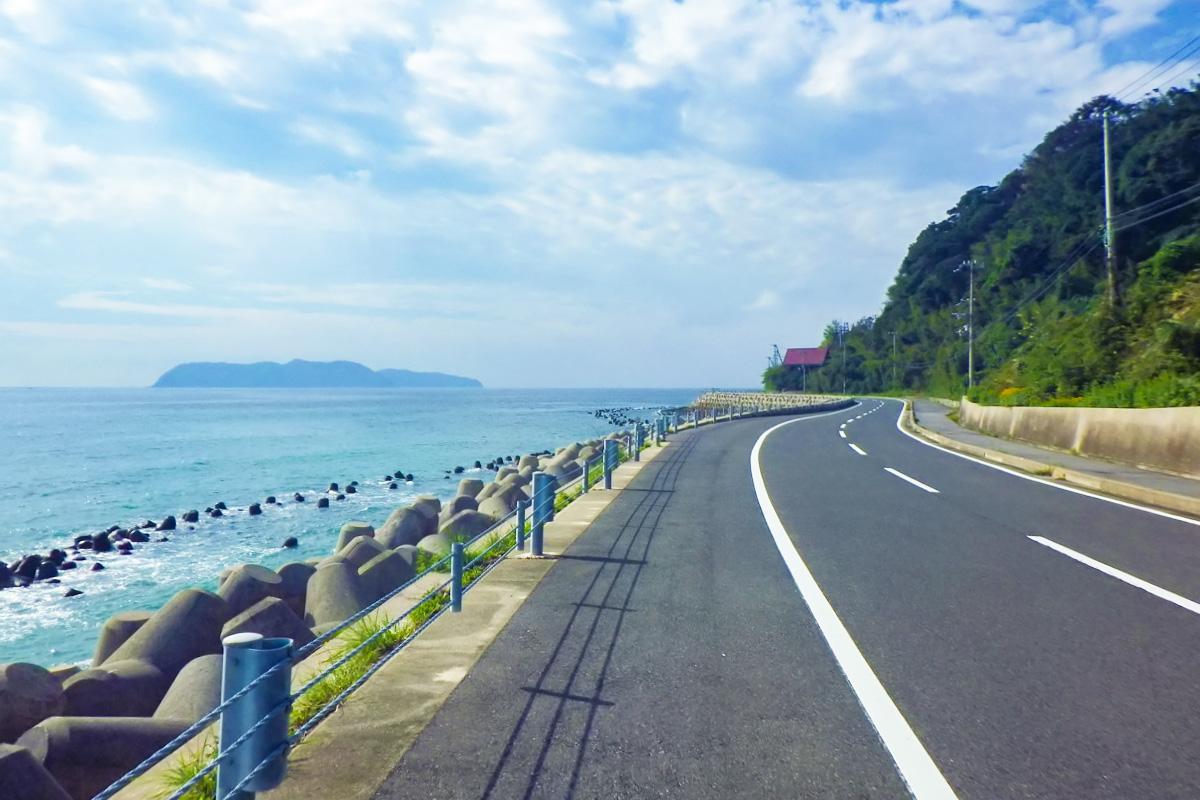 淡路島1周で走る淡路島南部の海岸線の風景